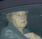 Eine gezeichnete Kanzlerin bei ihrer letzten Wochenend-Futschies-Sitzung am 25.10.2015